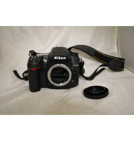 Nikon Nikon D D7000 16.2 MP Digital SLR Camera Body w/ Battery and Charger (Pre-owned)