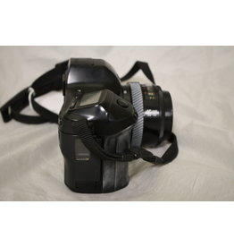 Minolta Maxxum 7000i with 35-70mm Zoom and Case