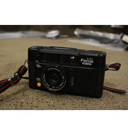 Yashica Yashica Full Automatic Auto Focus Motor 38mm Point Shoot Camera Working + Case -- flash does not work