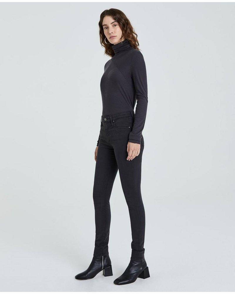 AG Farrah Skinny in Grey