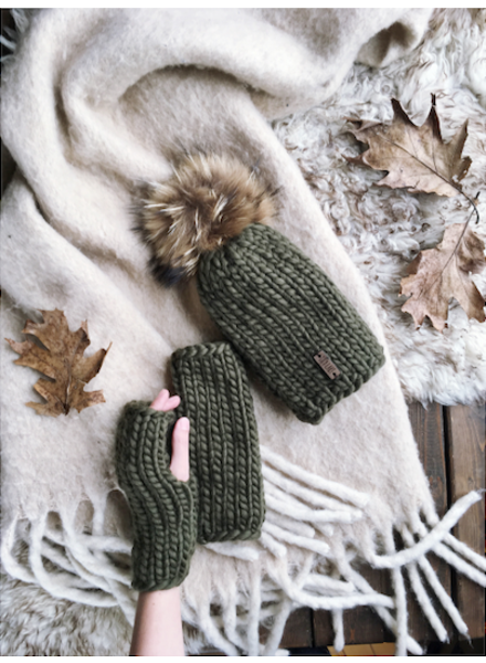 Lily Lake Fingerless Mitts