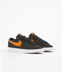 Nike SB AV3028 001 BLAZER LOW GT CATS PAW