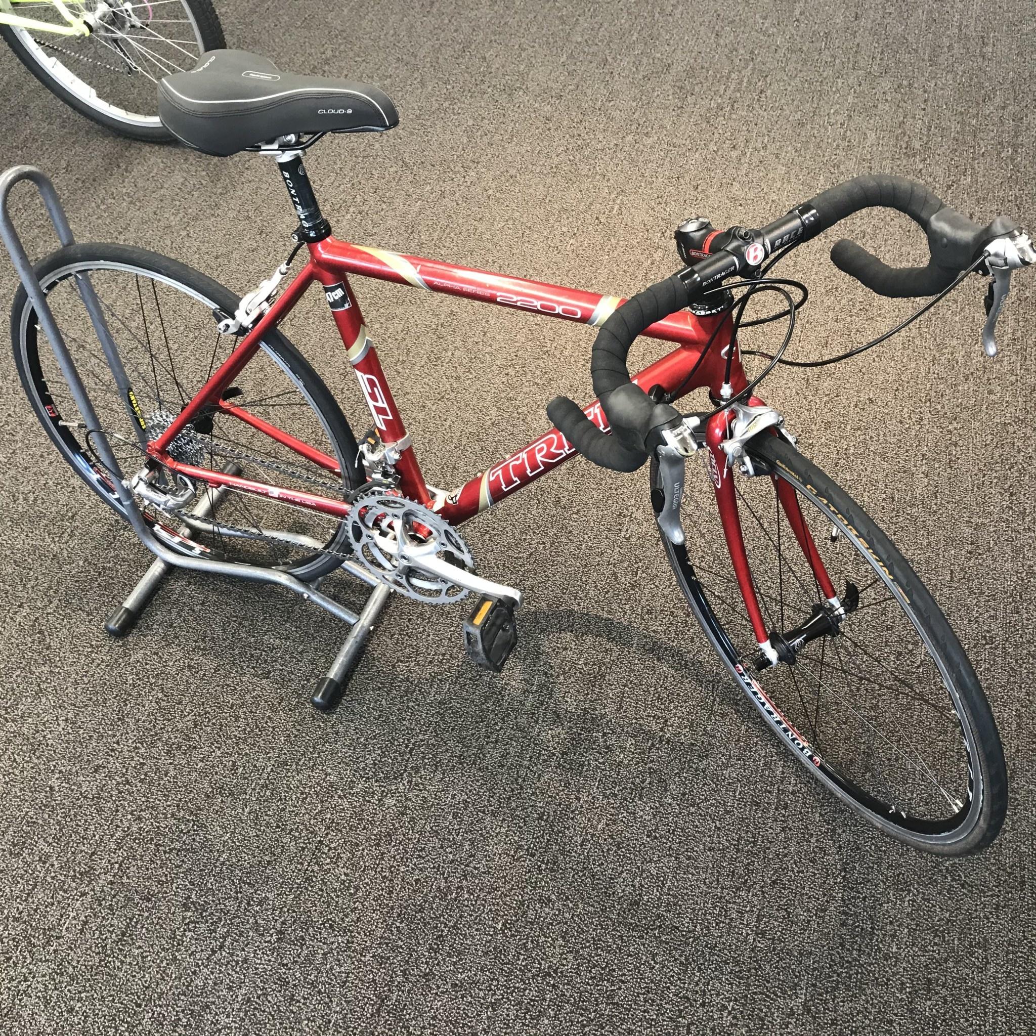 Trek Trek 2200 Red 47 cm