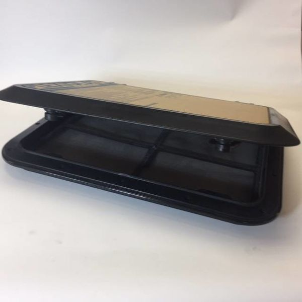Hatch 927 Black/Acr With Trim And Screen