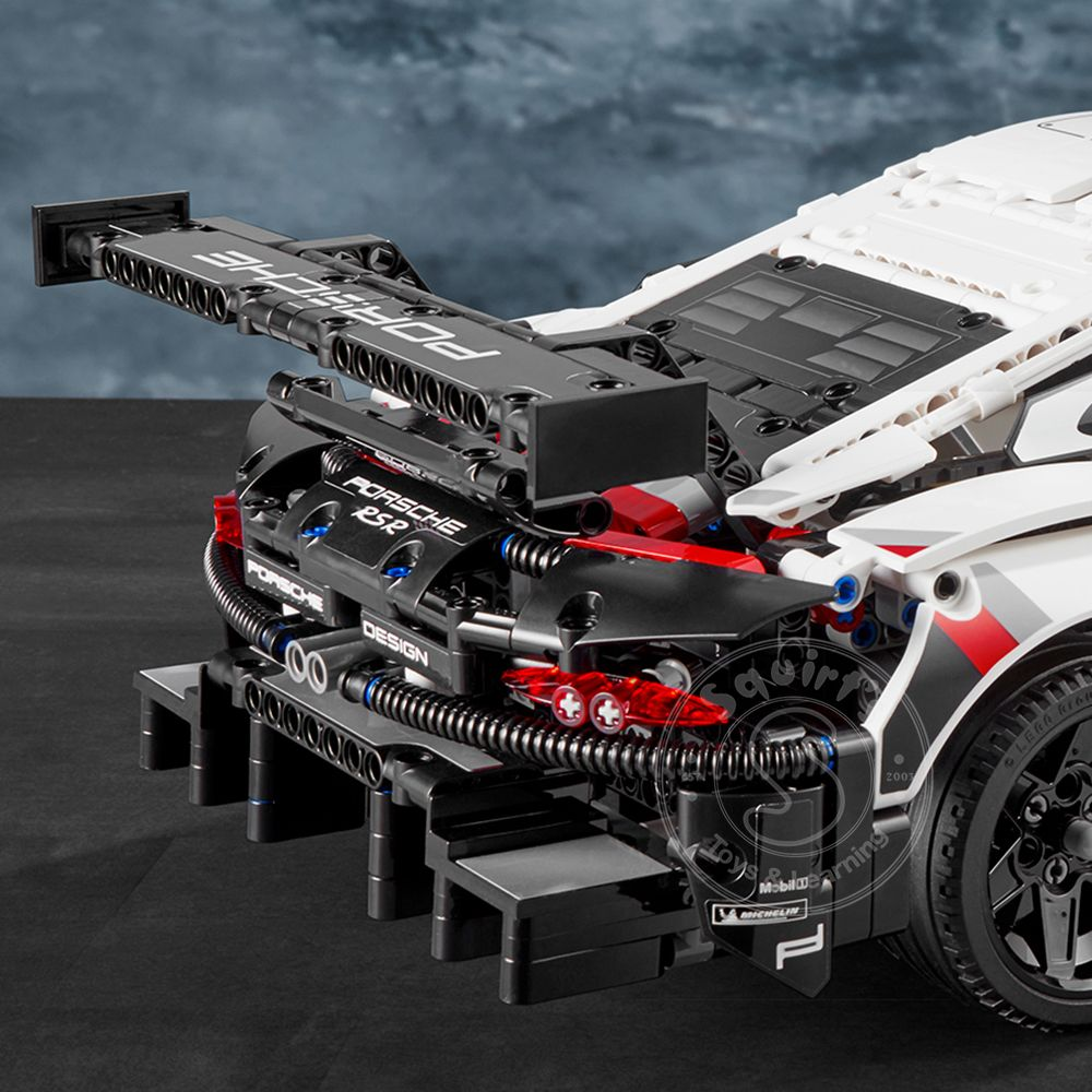 lego technic porsche 911 rsr squirt 39 s toys learning co. Black Bedroom Furniture Sets. Home Design Ideas