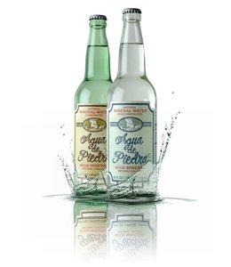 8Reales Agua de Piedra con Gas Botella 650 ml