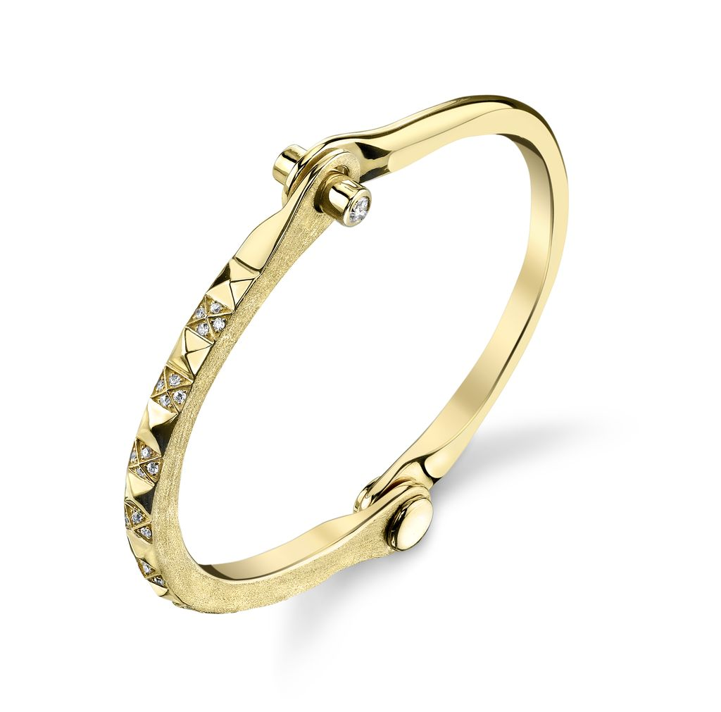 18K Yellow Gold Pave White Diamond Pyramid Handcuff<br />