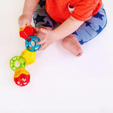 Oball Clicky Twister™ Easy Grasp Rattle
