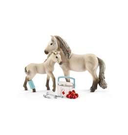 Schleich First-Aid Kit For Icelandic Horses