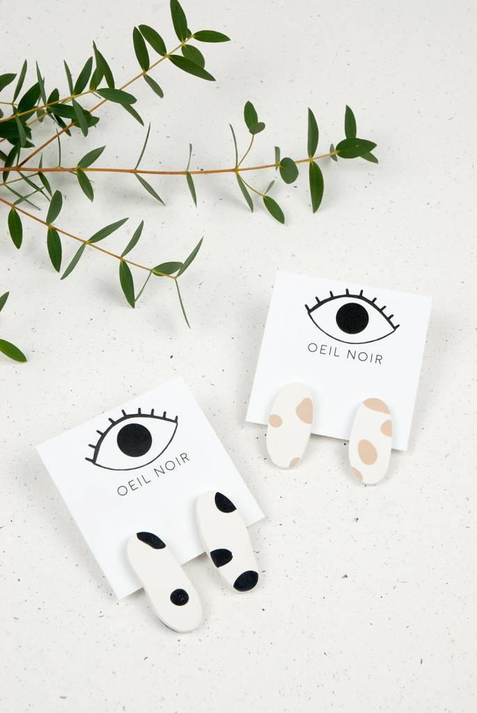 Oeil Noir Beige Oval Earrings