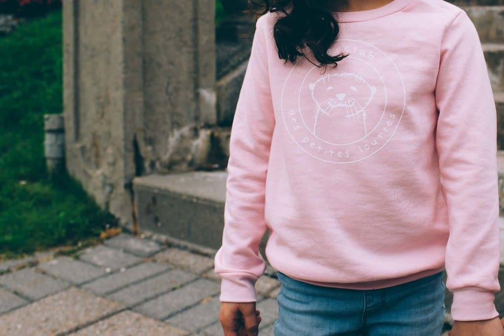 Dailystory Pink Otters Club Sweater