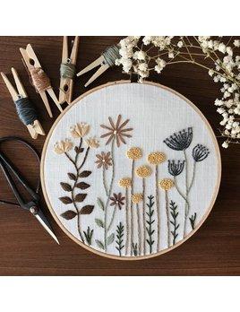 Miro's Embroidery Broderie Champs de Fleurs