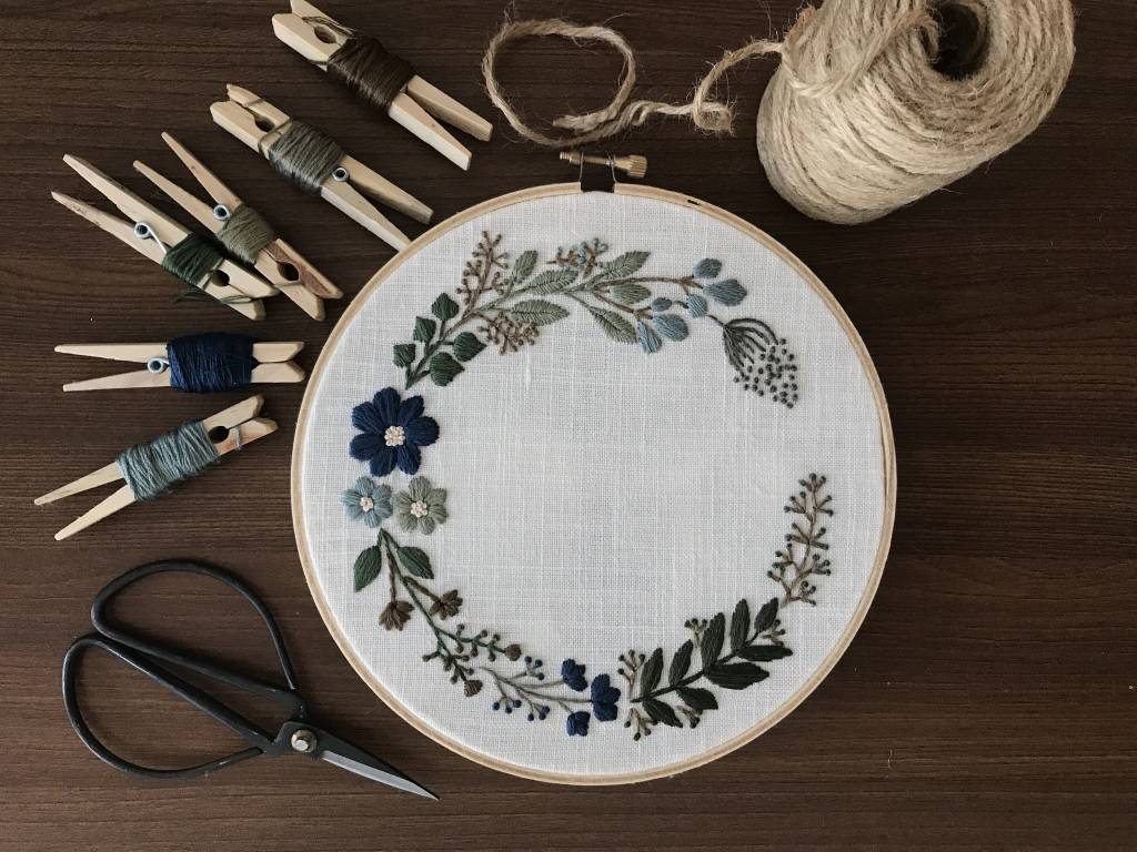 Miro's Embroidery Embroidery Floral Crown