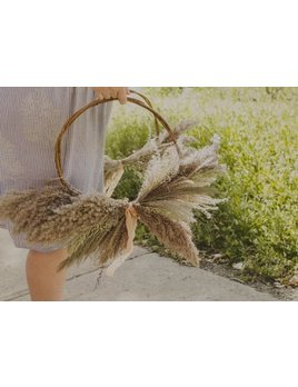 Laurie Anne Fleurs Dried Flowers Wreath