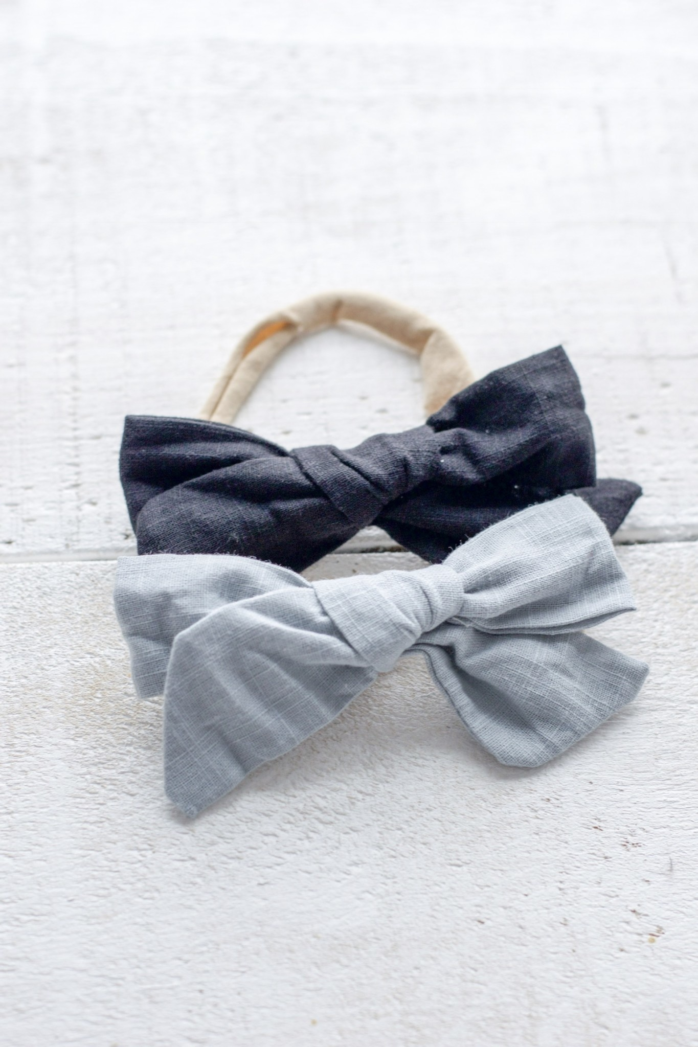 Mini Bretzel Blue and Black Linen Bow Duo
