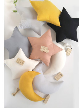 The Butter Flying Coussin Étoile - Plusieurs Couleurs