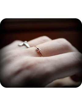 Le Cubicule Thin gold filled knot ring