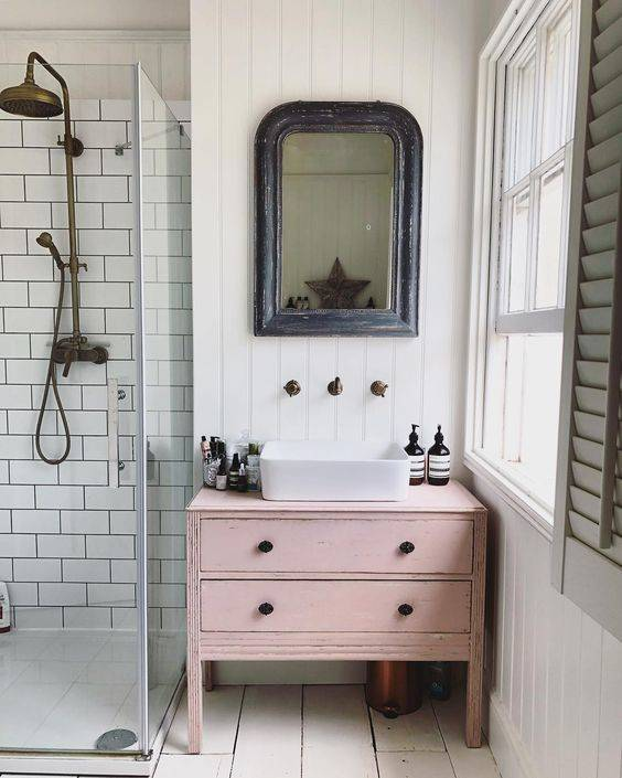 10 ways to revamp your bathroom without breaking the bank