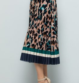 See And Be Seen Cheetah Print Pleated Skirt
