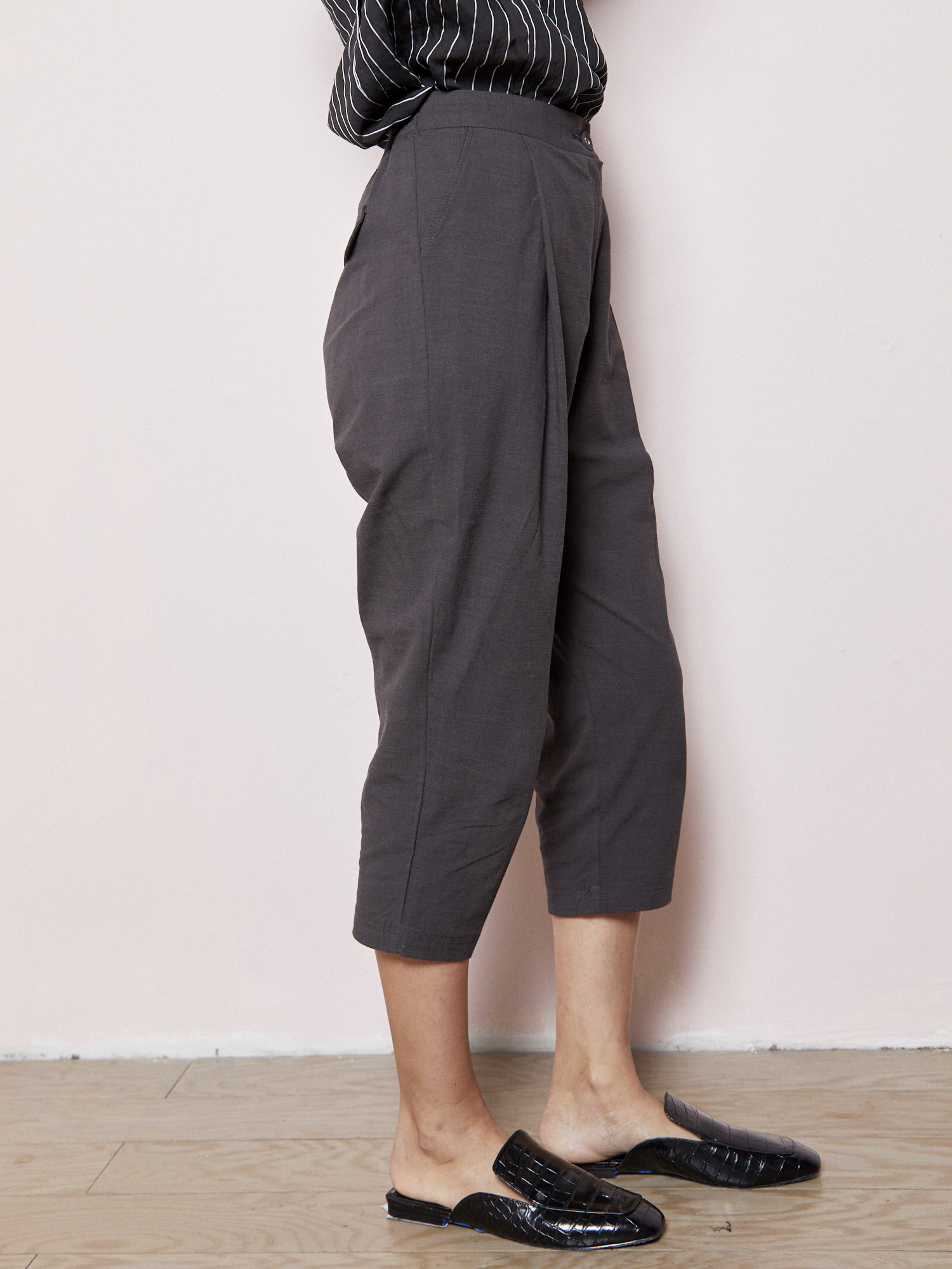 d.r concept Relaxed  Charcoal Pant