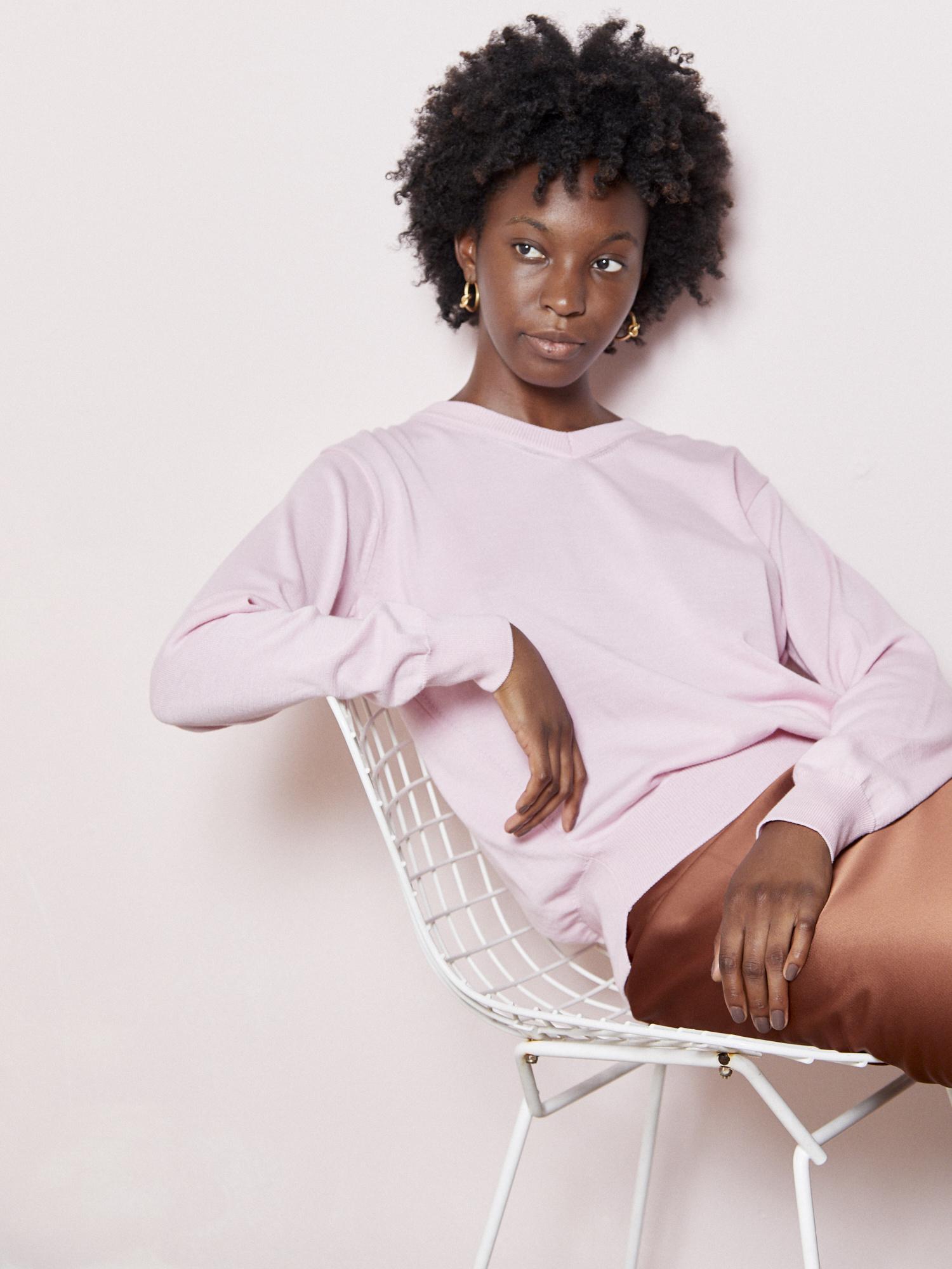 FAV Effortless Pink V-Neck Knit