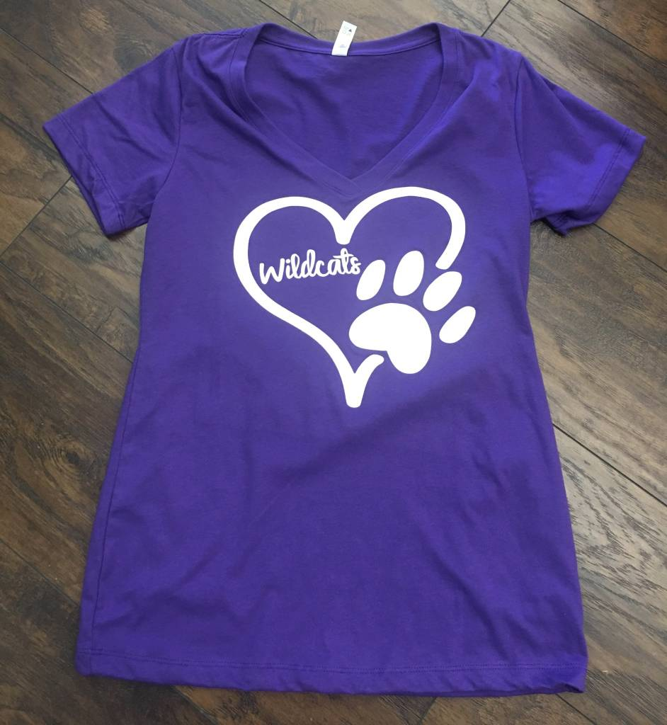 "Back Road Beauties ""A Pawful of Love"" Tee"