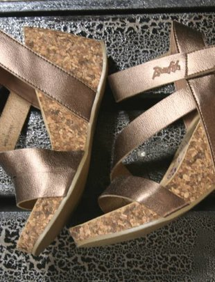 Hapuku Rose Gold Wedge