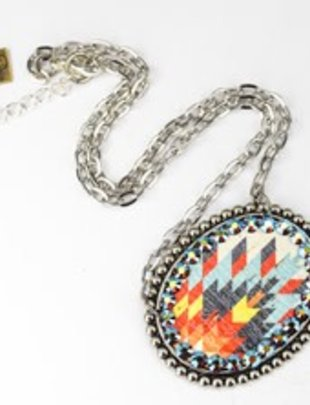 SILVER sideways oval with WHITE AZTEC inlay & ST/AB crystals on SILVER chain necklace