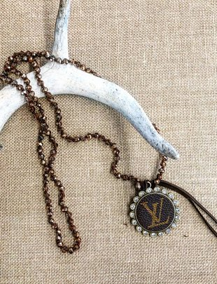 LV Crystal Circle Brown Bedaded Necklace