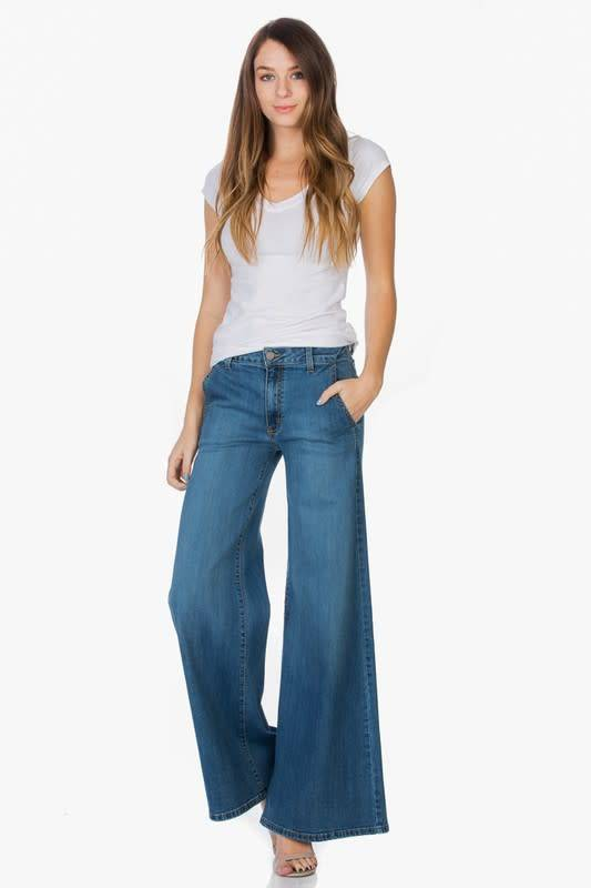 Wide Leg Light Wash Denim Jeans