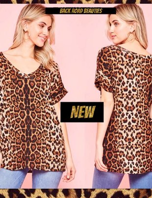 Back Road Beauties Leopard Pocket Tee
