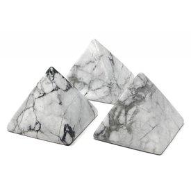 Howlite - 5cm Pyramid