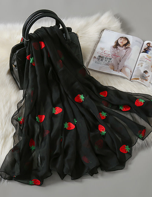 nairn Strawberry Scarf