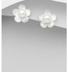 Sterling Studs: Flowers W/Glass Pearl
