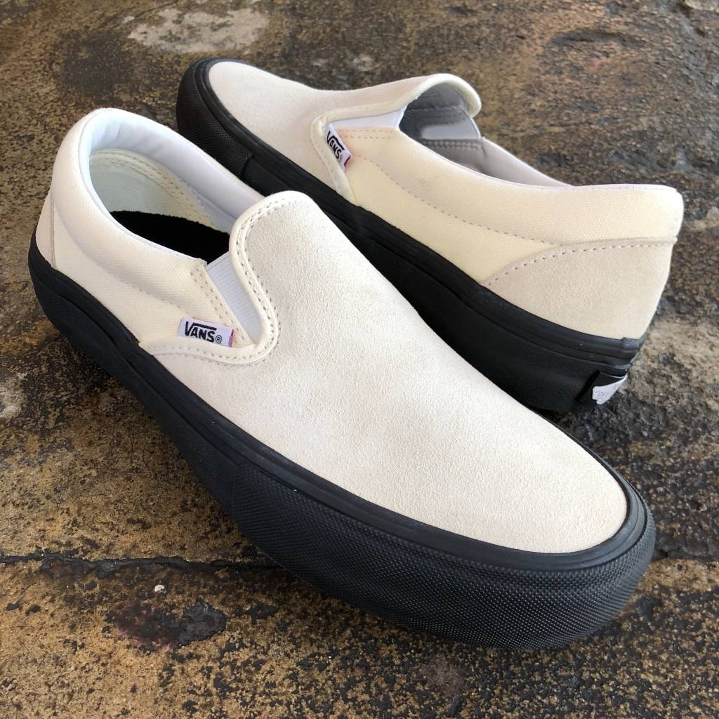 VANS SLIP ON PRO - CLASSIC WHITE/BLACK