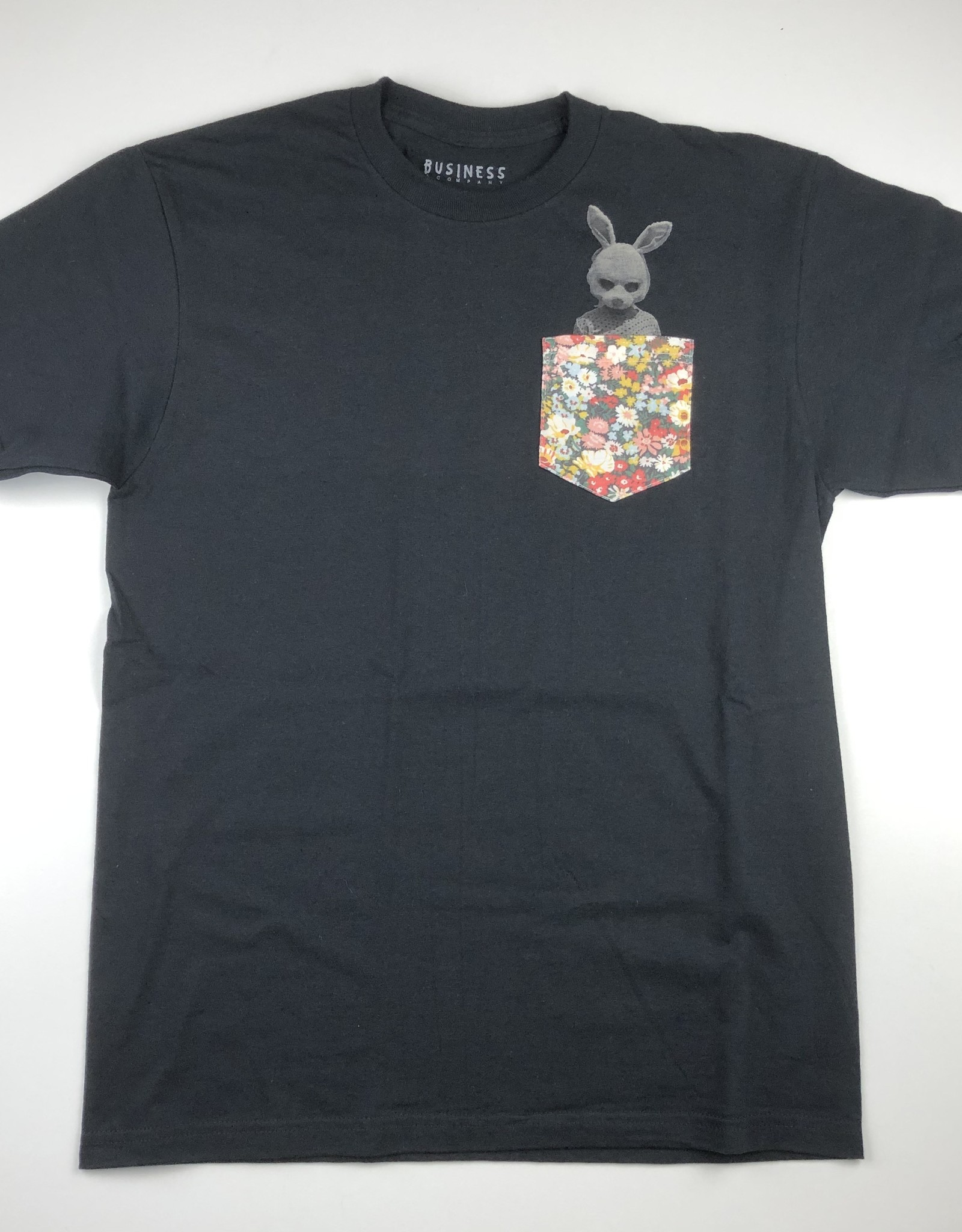 BUSINESS AND COMPANY BUSINESS AND COMPANY BUNNY POCKET S/S TEE