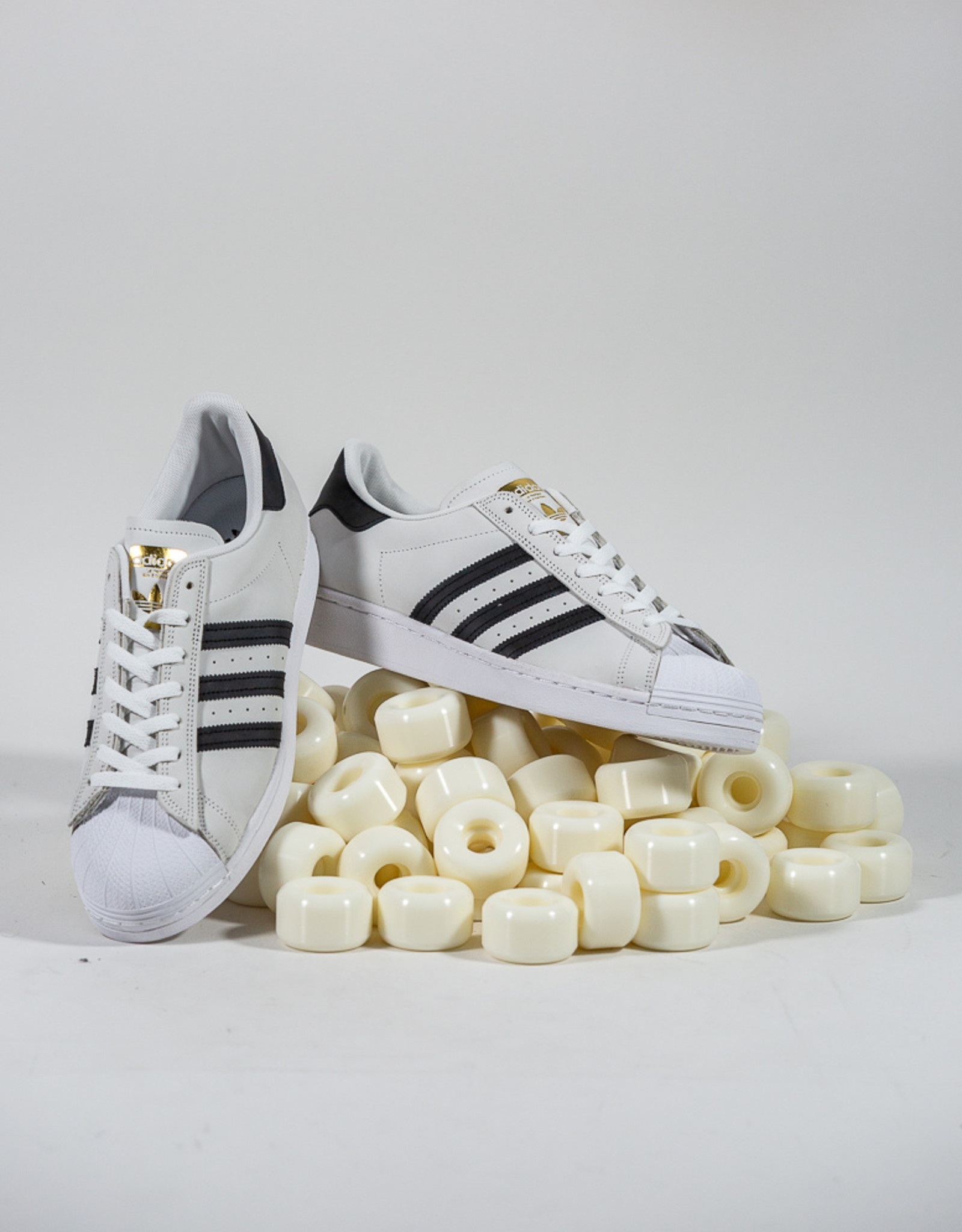 ADIDAS ADIDAS SUPERSTAR ADV - WHITE/CORE BLACK