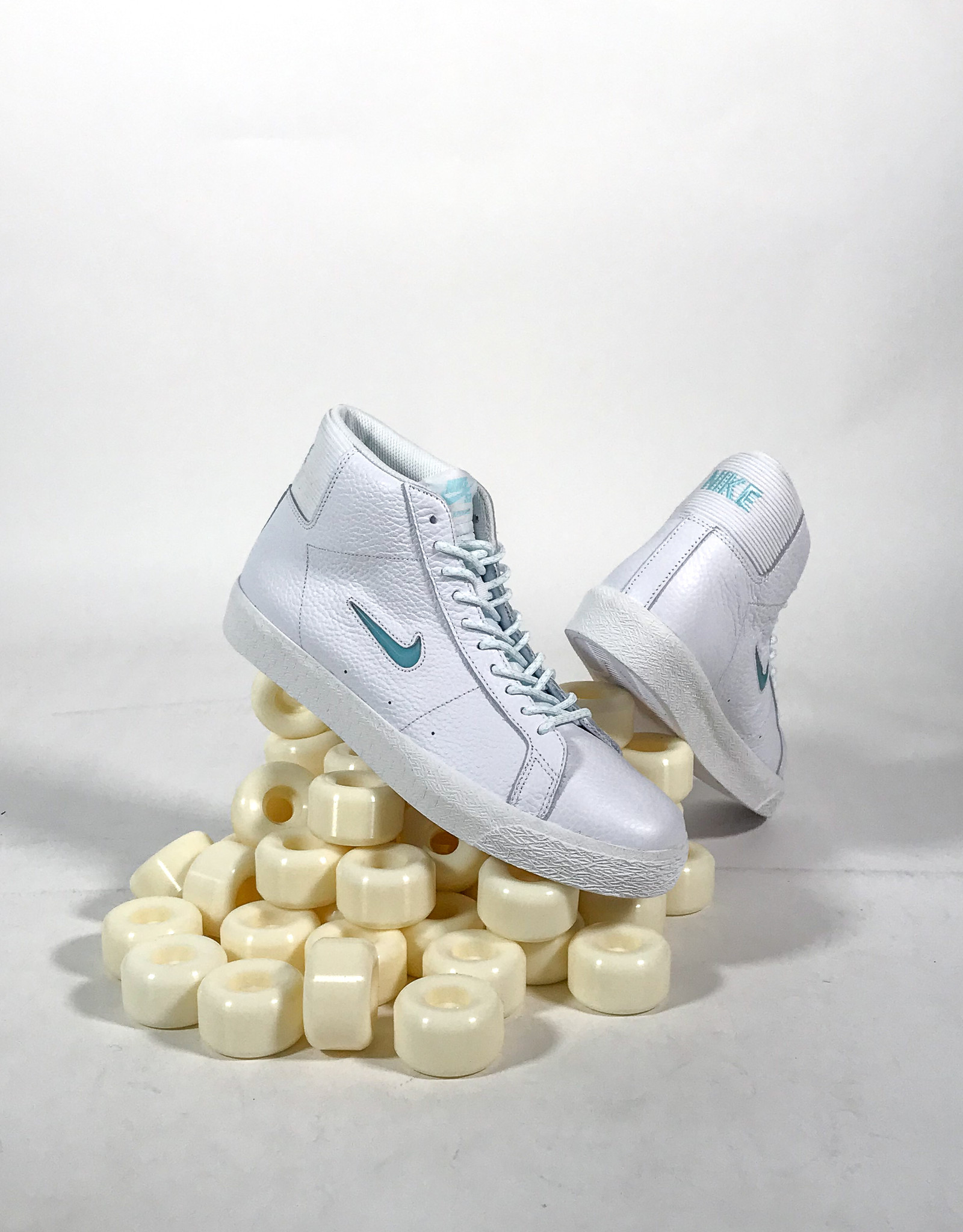 NIKE NIKE SB ZOOM BLAZER MID PRM - WHITE/GLACIER ICE-WHITE