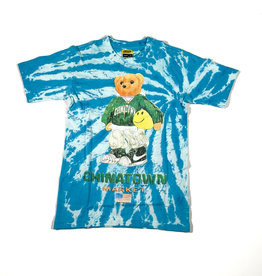 CHINATOWN MARKET CHINATOWN MARKET SMILEY SKETCH BASKETBALL BEAR TEE - TIE DYE