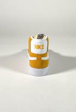 NIKE NIKE SB ZOOM BLAZER MID UNIVERSITY GOLD/WHITE-UNIVERSITY GOLD