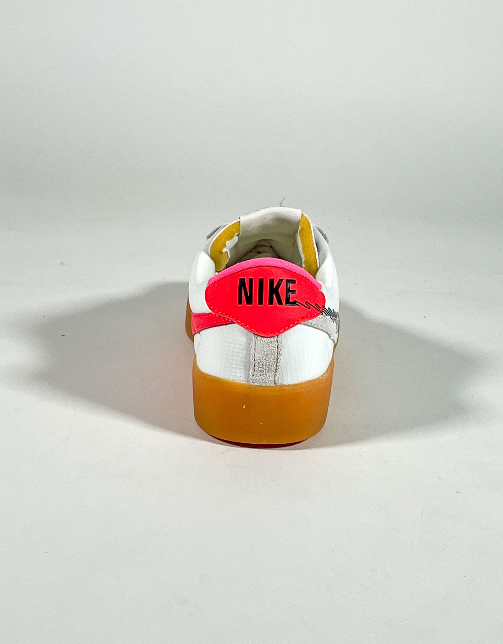 NIKE NIKE SB BRUIN REACT T SUMMIT WHITE/BLACK-BRIGHT CRIMSON