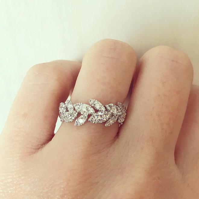 Diamond leaf band-white gold