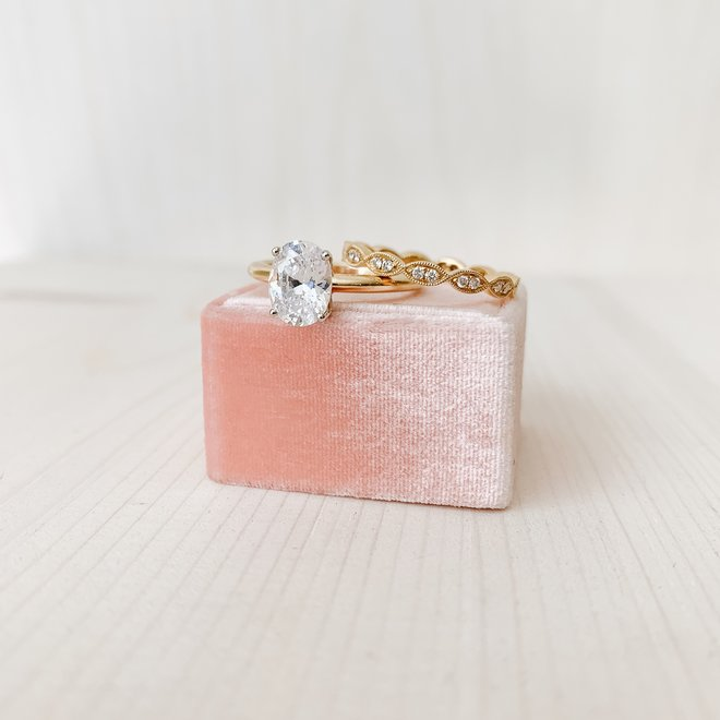 Yellow gold pod diamond stackable ring