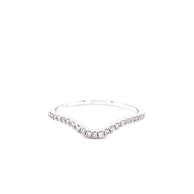 Soft curved chevron diamond band