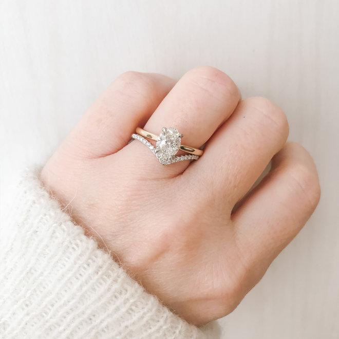 Chevron diamond band