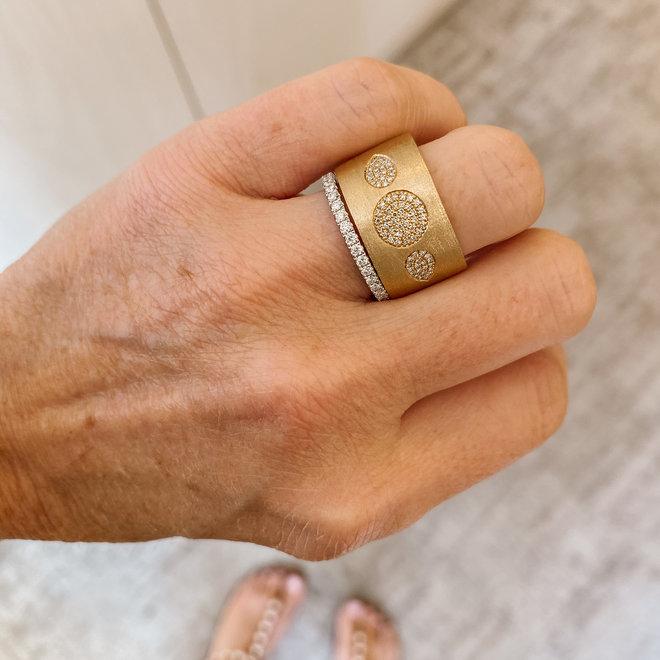 Diamond Circle and Pear Shape Yellow Gold Ring