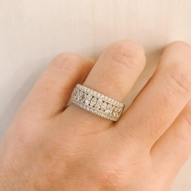 Elegant marquise and round cut diamond band