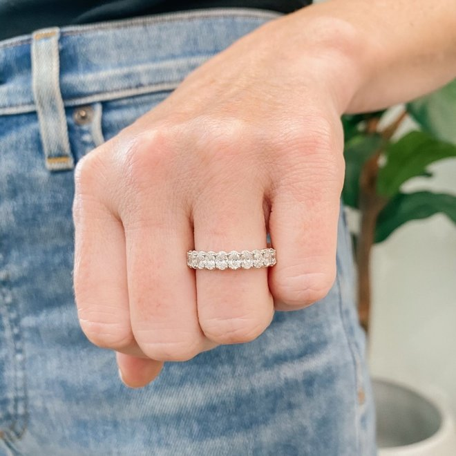 Ten oval diamond ring