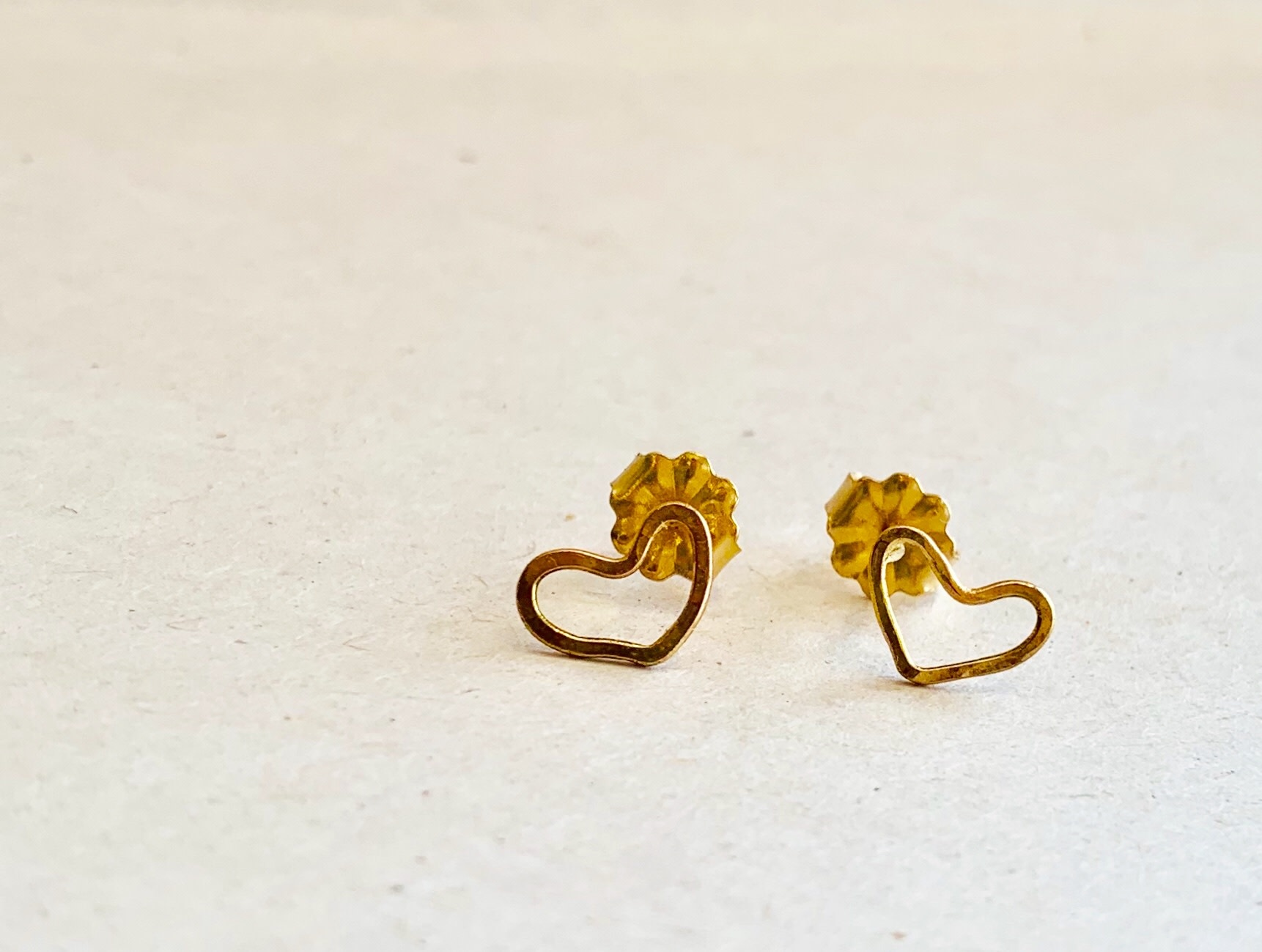 solid 14k heart studs