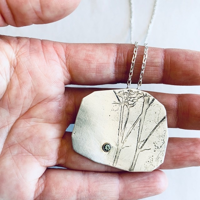 Montane Saphire Pendant Necklace